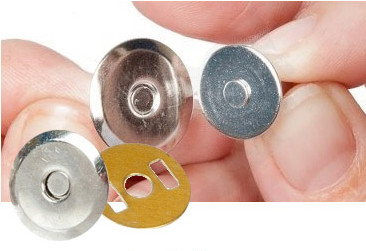 Magnetic closures for handbags